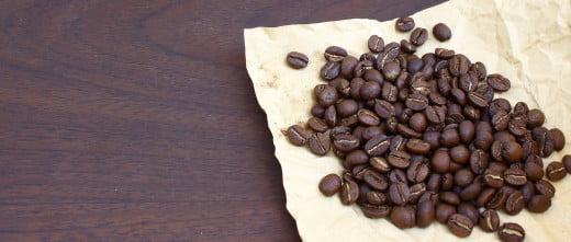 Imagen: Taza y granos de café