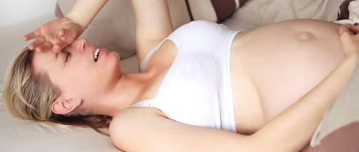 Mujer embarazada depresiva