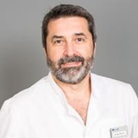Dr. Raúl Olivares Vela