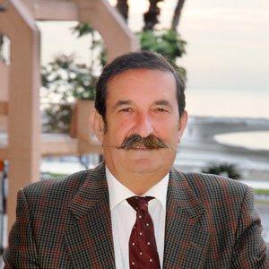 Dr. Manuel Martínez Moya