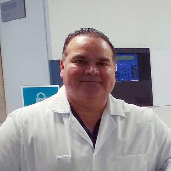 Dr. Víctor Villalobos Paz