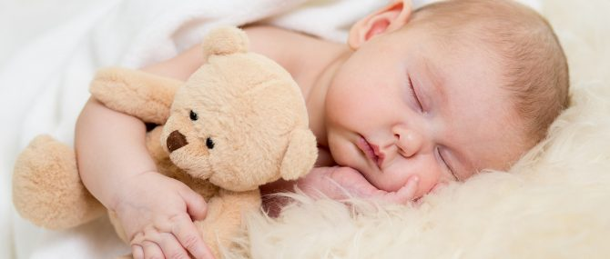 Sueño en el primer año de vida: dormir toda la noche