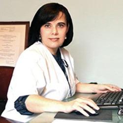 Dra. Amparo Oliver
