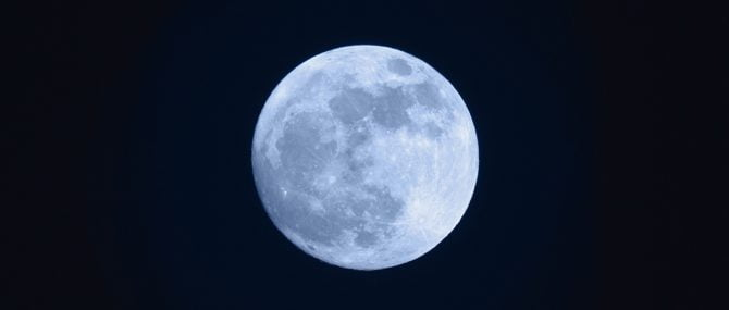 Imagen: Las fases lunares tienen la capacidad de influir en los ciclos de ovulación de la mujer, y por tanto también en su embarazo.