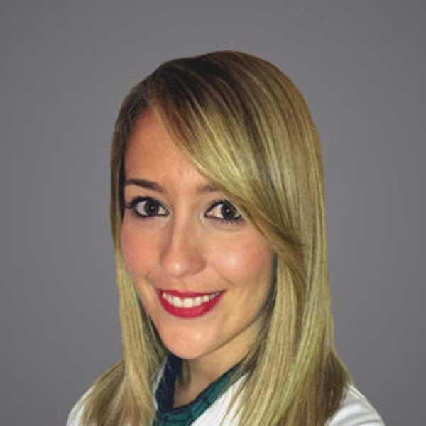 laura-hernandez-ginecologa-445x332