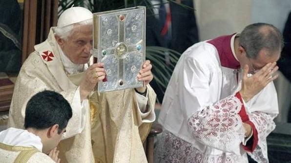Por todos es sabido que existen varias corrientes dentro de la iglesia y sus distintas posturas frente al aborto.