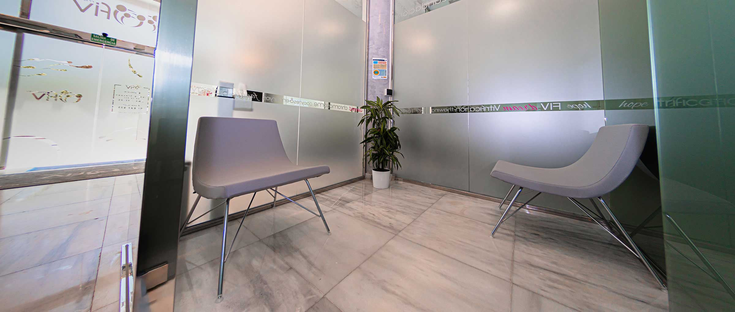 Sala de espera para donantes en Ovoclinic Marbella