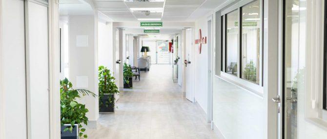 Imagen: Pasillo sala de espera Ginemed Madrid
