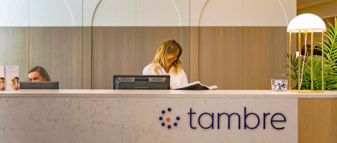 Imagen: Recepción de la clínica Tambre