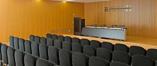 Sala del Instituto Bernabeu en Alicante