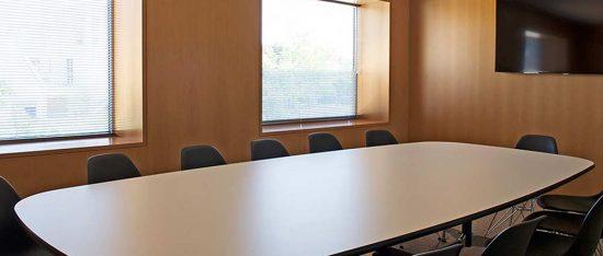 Sala reunión Instituto Bernabeu
