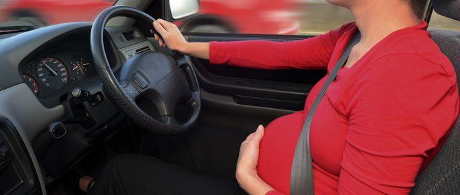 Imagen: Viajar embarazada en coche