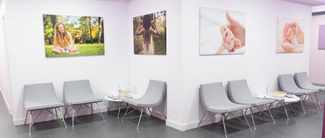 Imagen: Zona de espera para las pacientes en Ovoclinic Barcelona