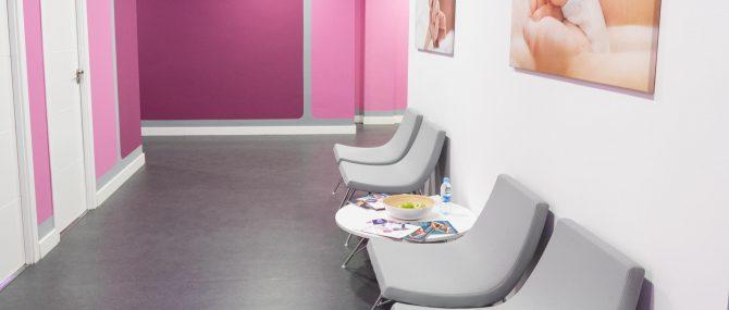 Imagen: Zona de espera para pacientes en Reproclinic
