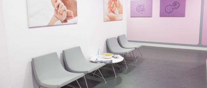 Imagen: Área de espera enfrente de las consultas de Reproclinic
